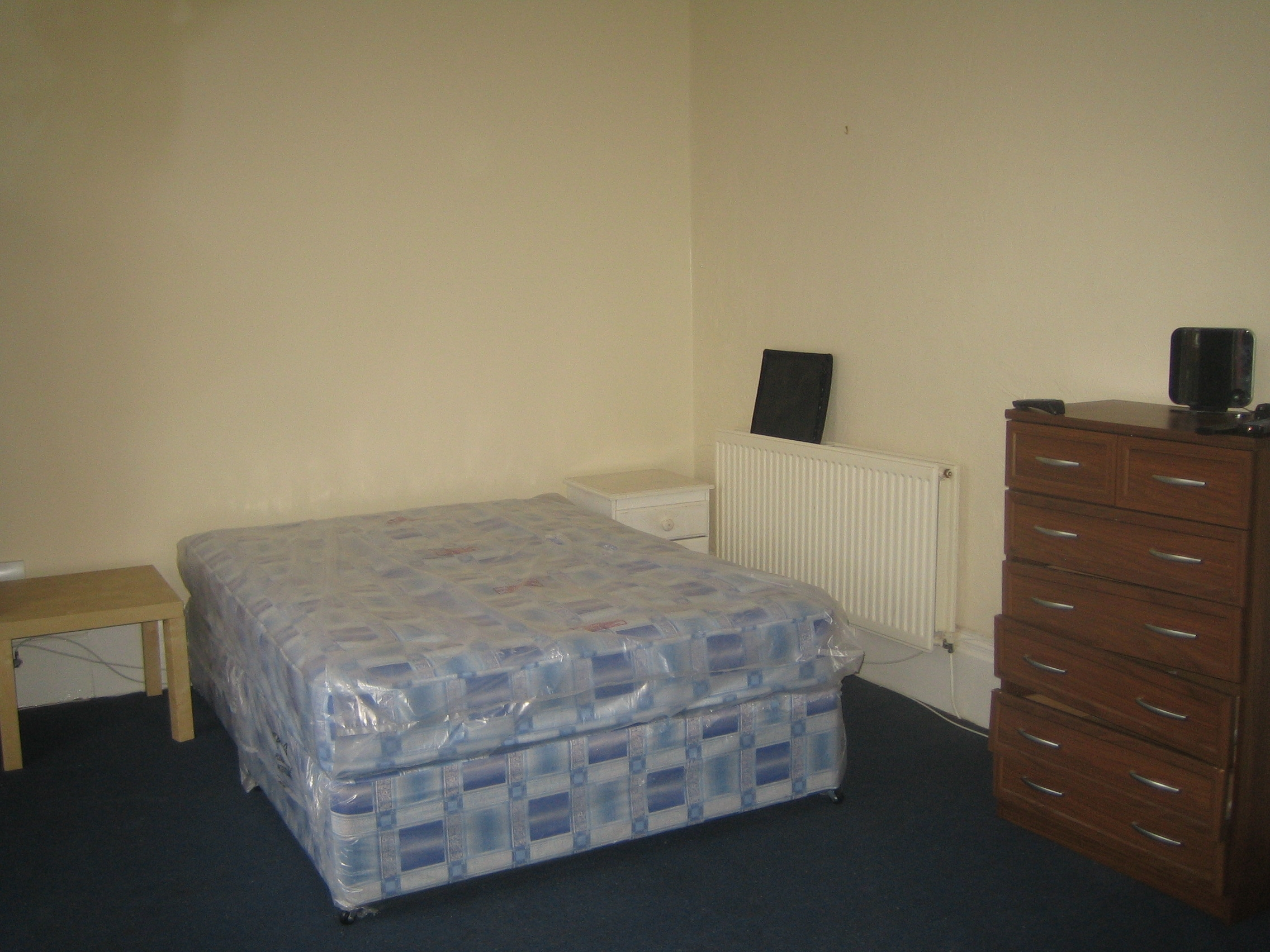 24 brook rd bedroom