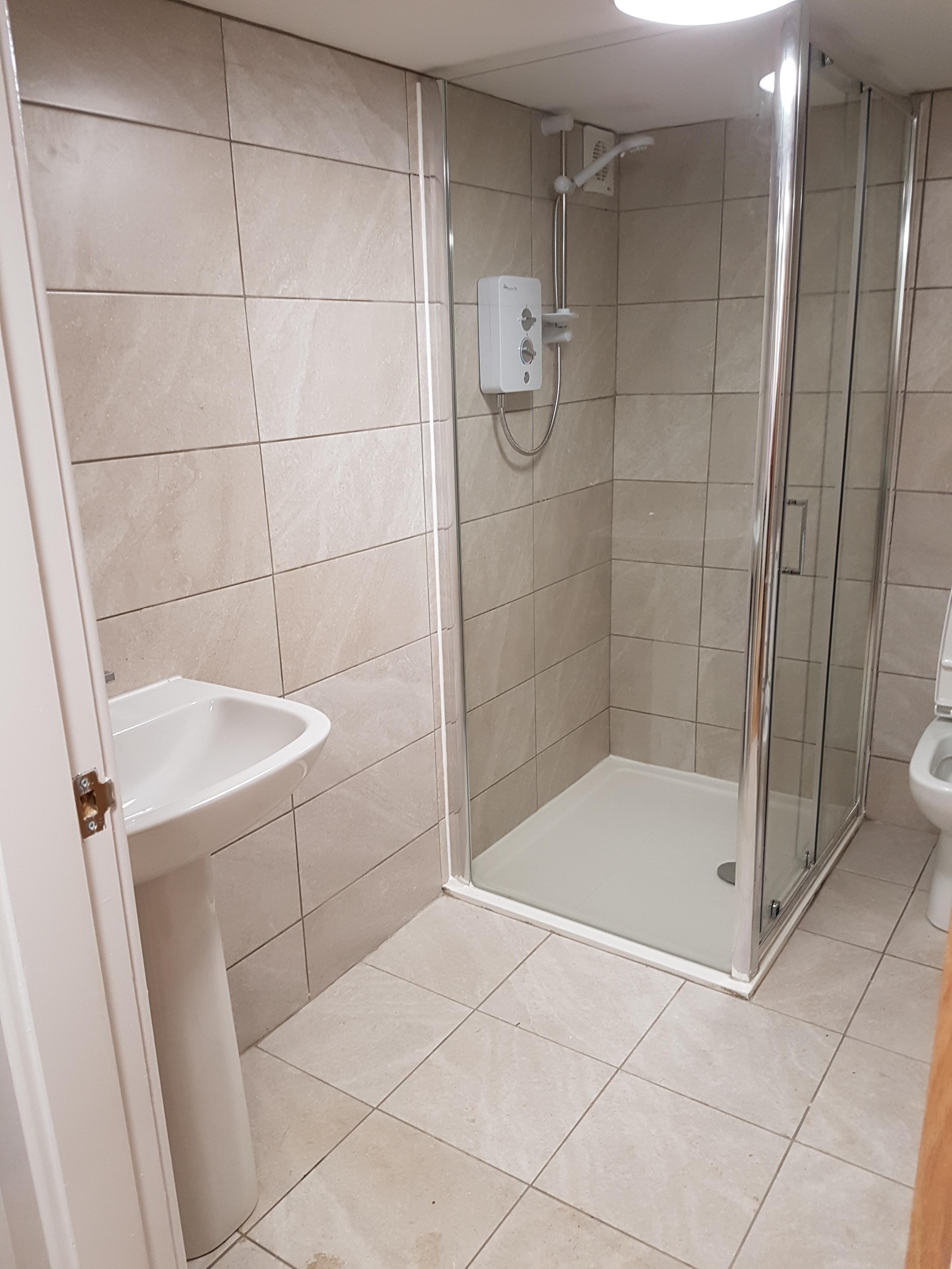 23a anson flat 3 shower