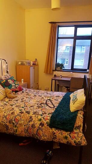 8 bed brook bedroom
