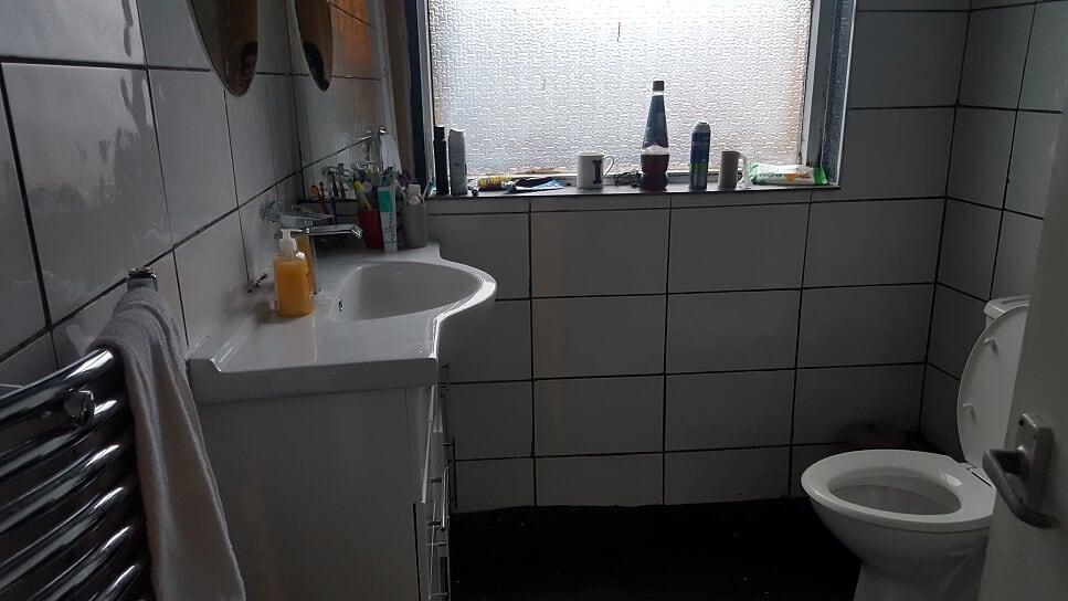 8 bed brook shower